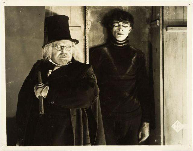 THE-CABINET-OF-DR-CALIGARI-2